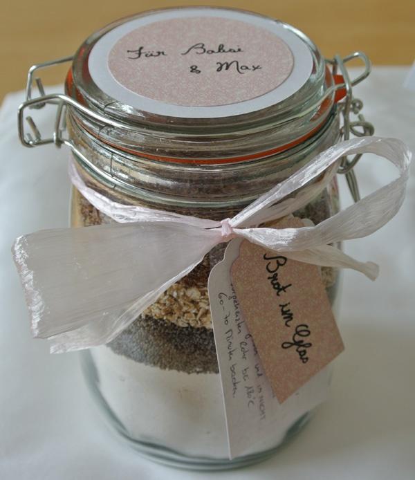 Brot im Glas - Papier und Stanzen von www.Stempelkobold.at
