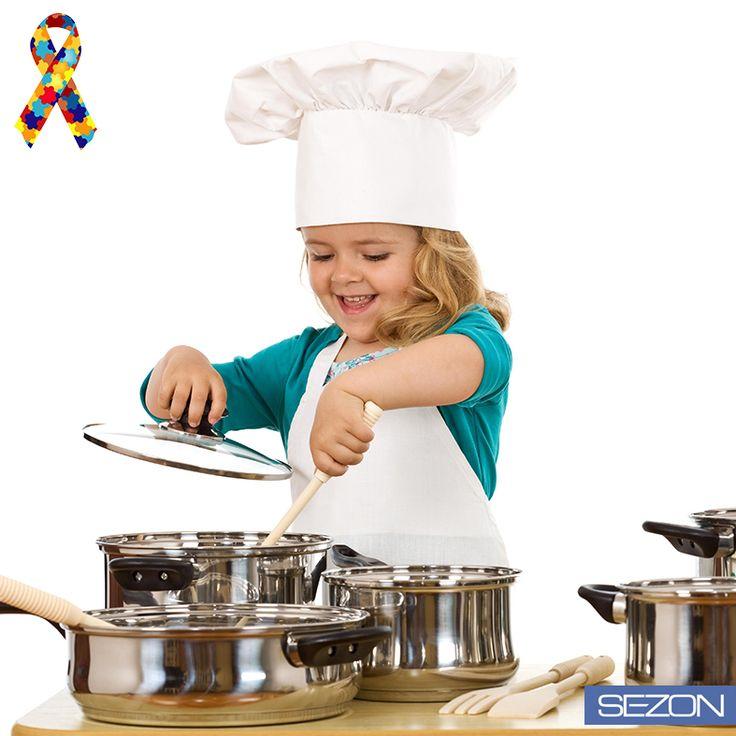 Otizmli çocuklarımız, tanı ve eğitimle hayata kazandırılabilirler. Hayatımızdaki küçük kahramanlar için siz de otizmin belirtilerini öğrenin ve paylaşın! http://www.tohumotizm.org.tr/ #OtizmeMaviİsikYak