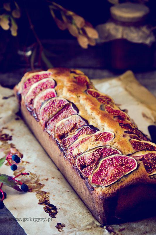 RECIPE - Yogurt cake with figs (Source : http://gzikipyry.pl/ciasto-jogurtowe-z-figami/) #recipe #cake #fig