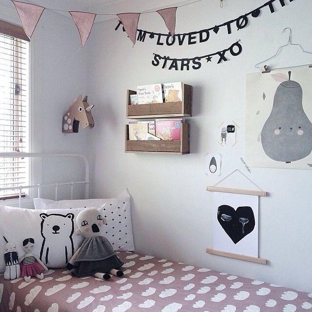 Meisjes slaapkamer.
