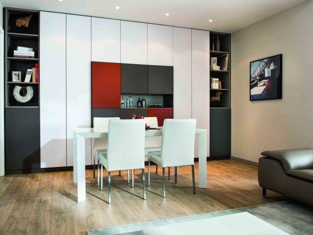 Salle a manger avec grand meuble de rangement colore for Meuble de salle a manger avec deco chambre pinterest