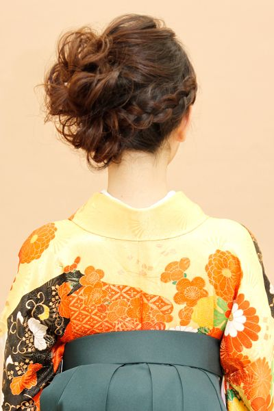 Japanese hairstyle for women in Kimono