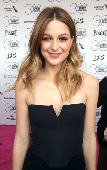 Image from http://www.glamour.com/images/entertainment/2015/02/melissa-benoist-w352.jpg.
