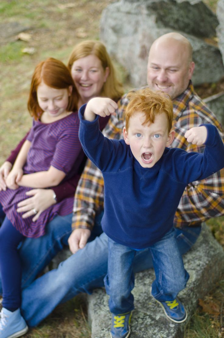 Fall family photos by Tina lalonde  Family portrait ideas   The Incredible Hulk