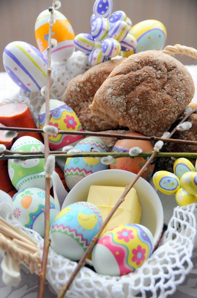Polish Easter Basket-  Filled with decorated eggs, salt, butter, bread, ham, a candle and more. To be eaten on easter morning. Lovely idea for home and for gifts.