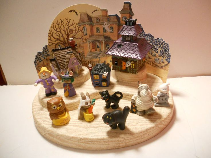hallmark merry miniature halloween lot witch ghost scarecrow cat house - Miniature Halloween Decorations