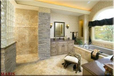 open layout with big shower & big tub