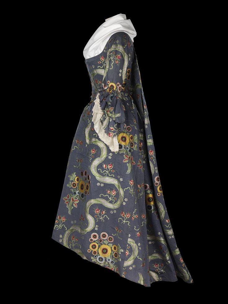 dress - National Maritime Museum circa 1785