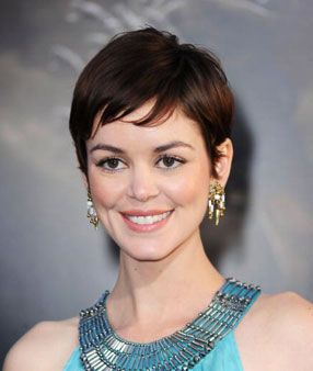 Google Image Result for http://www.glamour.com/images/beauty/2010/05/0510-02-how-to-get-a-pretty-pixie-cut-right_li.jpg