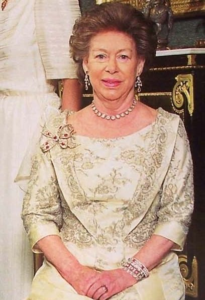 Princess Margaret wearing the Greville Ruby Bow brooch