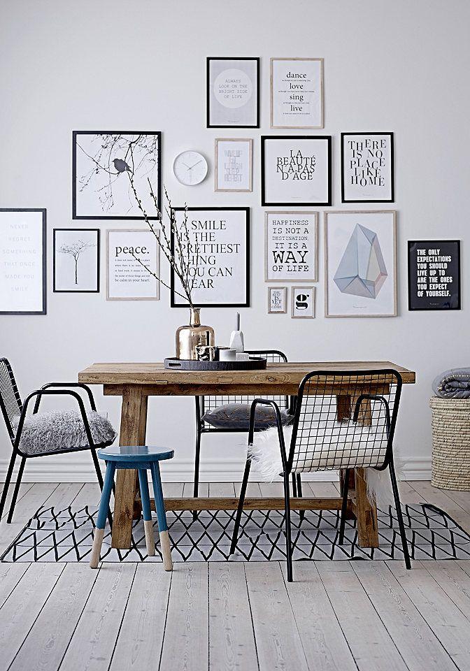 Dieses Wandbild aus dem Hause Bloomingville lässt das Zuhause im individuellen Stil erscheinen. Der Bilderrahmen aus Holz mit Plexiglas sorgt mit seiner natürlichen Ausstrahlung für eine stilvolle Dekoration im skandinavischen Design.