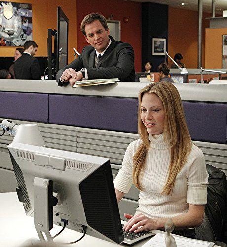 Sarah Jane Morris and Michael Weatherly in NCIS: Naval Criminal Investigative Service (2003)