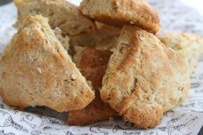 """Vi fortsätter med sconesbakandet här hemma det är ju bara så gott med varmt nybakat bröd på morgonen. Havresconesen är lite godare än de """"vanliga"""" sconesen- har du provbakat ? Det här behöver du : 3 dl mjölk 100 gram smör 7 1/2 dl vetemjöl 2 1/2 dl havregryn 4 … Läs mer"""
