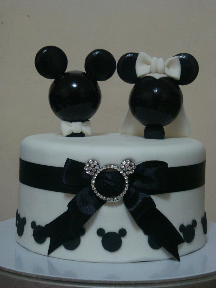 Mickey And Minnie Mouse Wedding Cake Mickey Mouse