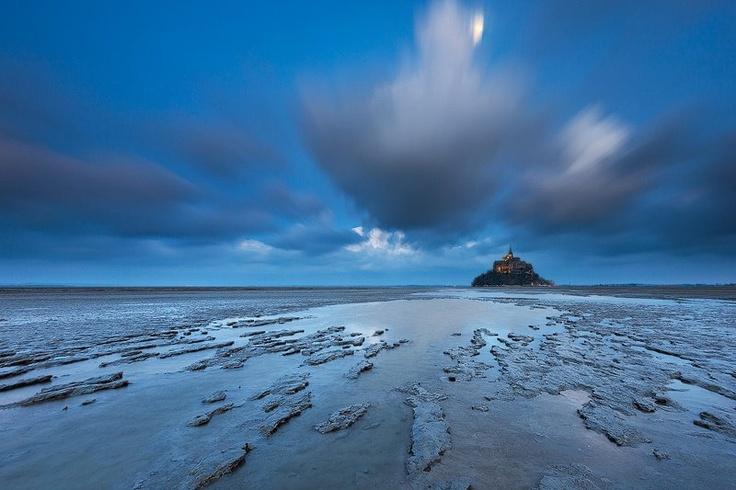 Le Mont St Michel à découvrir en Normandie lors de votre séjour au Domaine du Martinaa ... www.martinaa.fr ...