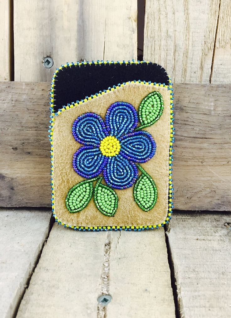 Cardholder with black stroud and blue and green beaded flower #Esawa #Handmade #Cardholder #Blueflower