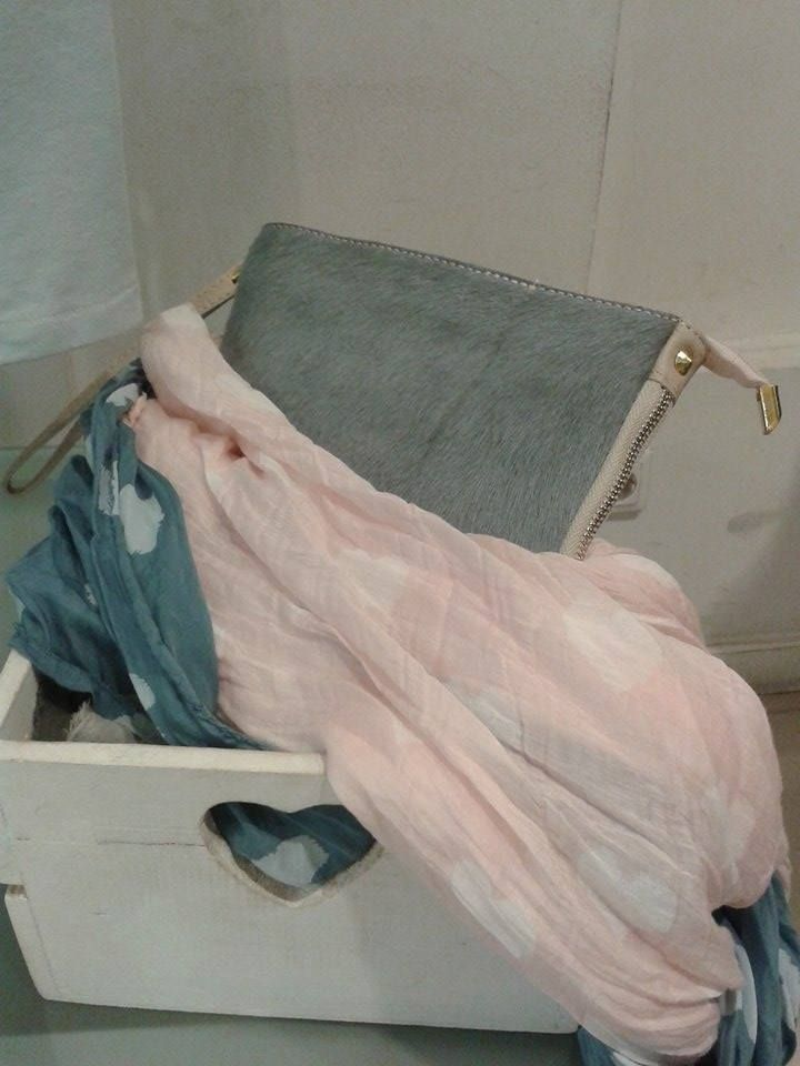 Pañuelos de algodón para primavera desde 9.99 € minibolsos que siguen siendo tendencia en piel varios colores 25.99 €