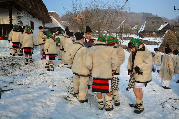 TUDOR  PHOTO  BLOG: Craciun in Maramures,Christmas in Maramures,Romani...