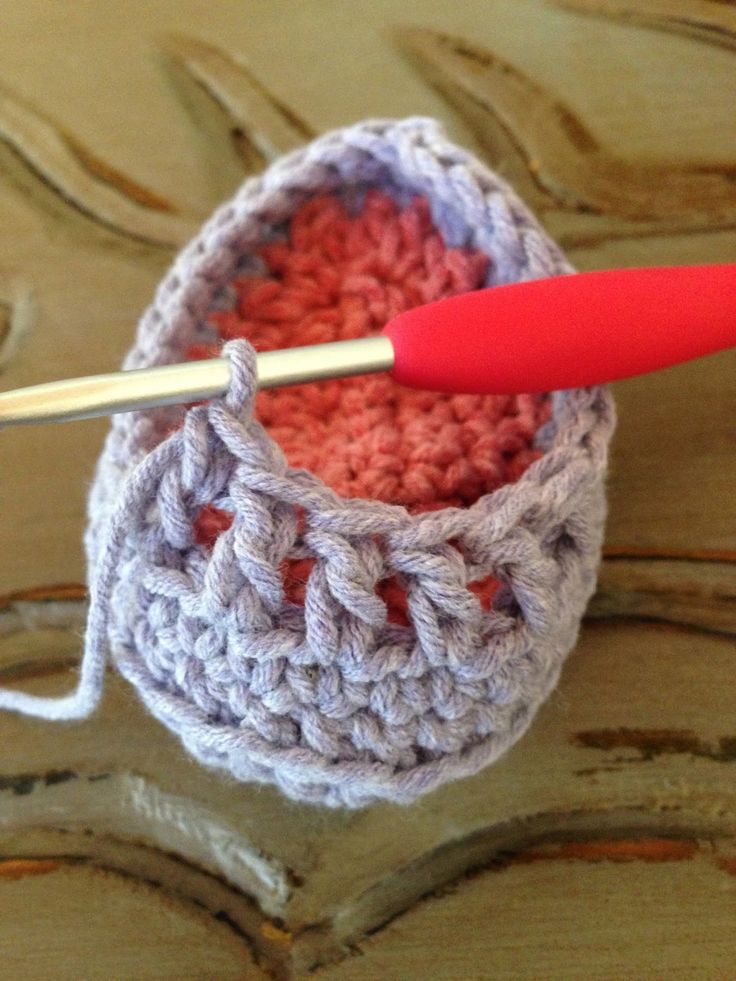 Annoo's Crochet World: Precious Newborn Fall Baby Booties Free Pattern