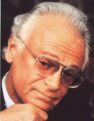 Ephraim Kishon (* 23. August 1924 in Budapest, Ungarn als Ferenc Hoffmann; † 29. Januar 2005 in Meistersrüte, Appenzell Innerrhoden, Schweiz) war ein israelischer Satiriker ungarischer Herkunft.