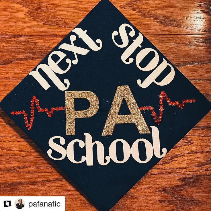 I love this pic and post from @pafanatic so much! She's starting PA school this week so make sure you follow along and she's got some great lists of other PA accounts on her story right now! PA school I'm ready for you. . . . . . #physicianassistant #pa #paschool #palife #medicine #medlife #caspa #graduation #drexel #pcom #paprogram #grad #womeninmedicine