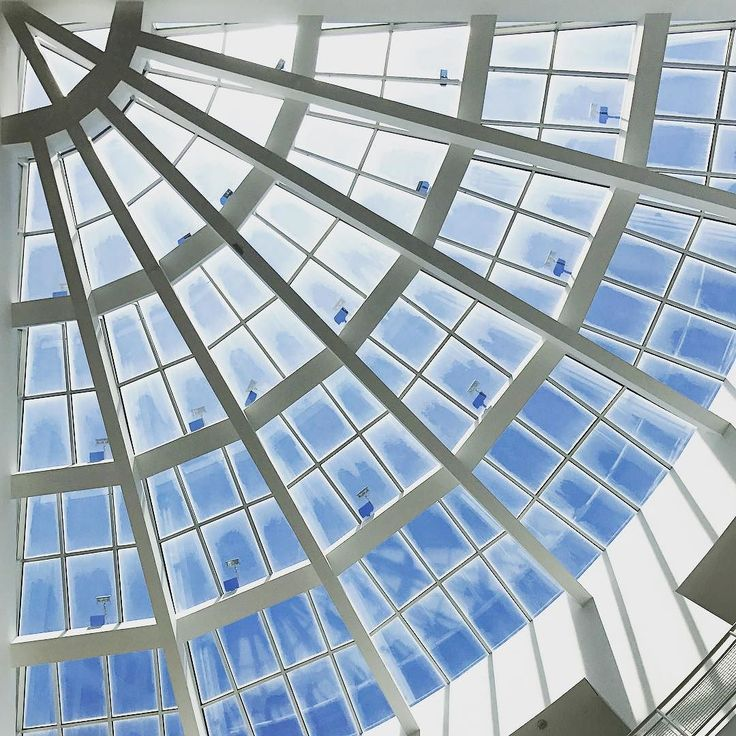 #architecture #design #richardmeier #lookingup #skylight #museum #art #gallery #travel #travelgram #traveling #travelphotography #midtown #atlanta #atl #georgia