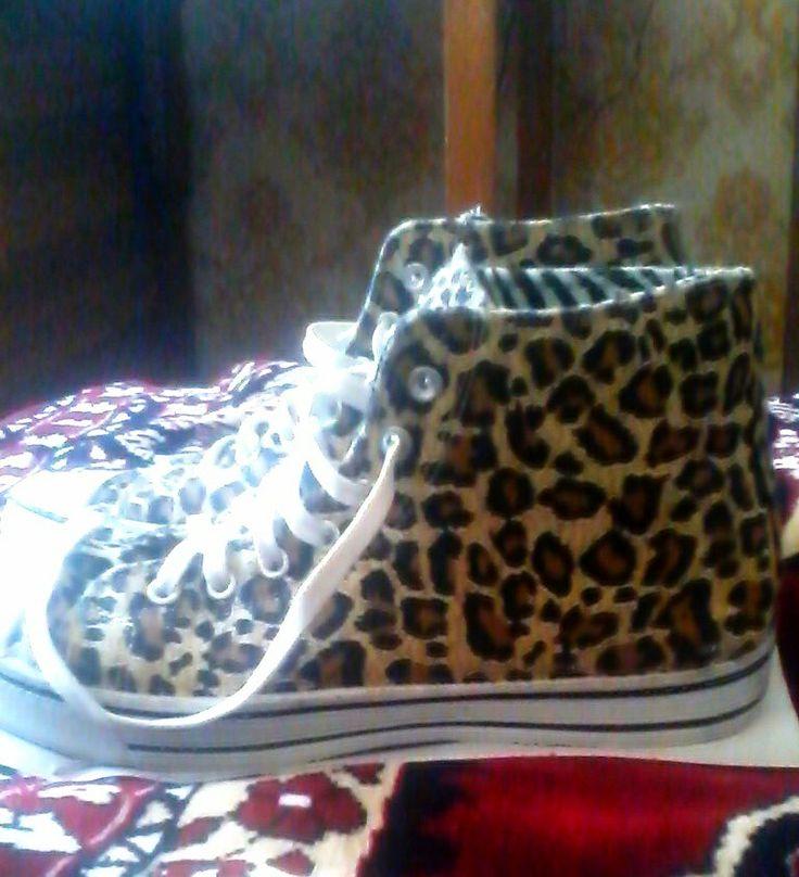 Леопардовые высокие кеды, leopard gumshoes
