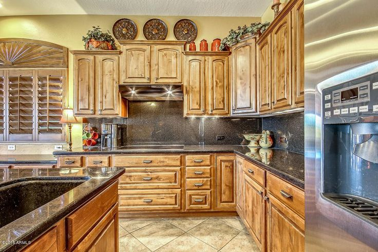 Traditional Kitchen with Simple Granite, Kitchen island, High ceiling, Inspirations Cup Pull, Raised panel, L-shaped