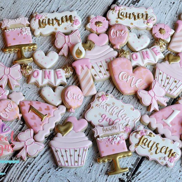 Birthday cookies. #thesweetdesignsshoppe #cookiecutters