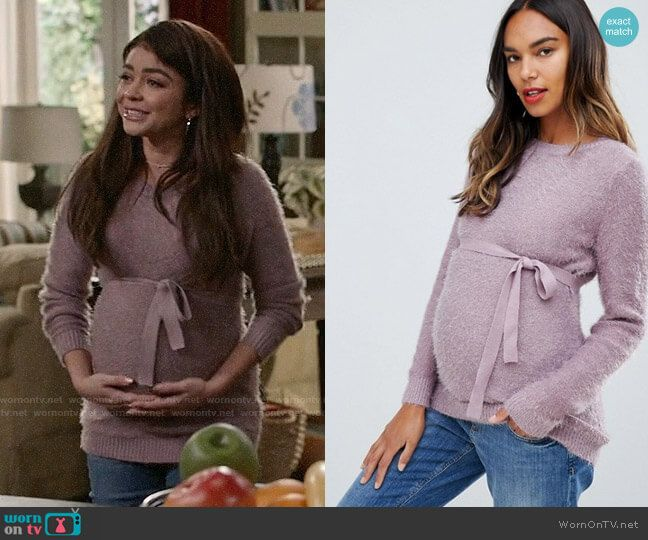 Haley S Purple Fluffy Maternity Sweater On Modern Family Maternity Sweater Basic Outfits Modern Family Haley