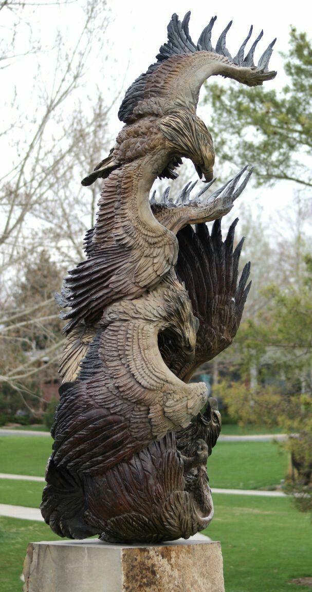 резной орел из дерева картинки многих видов