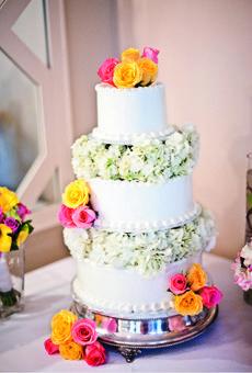 Wedding Cake with Bright Pink Roses | Wedding Cake