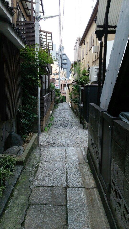 Kagurazaka, Shinjuku city, Tokyo 神楽坂 路地裏 石畳 japan kagurazaka