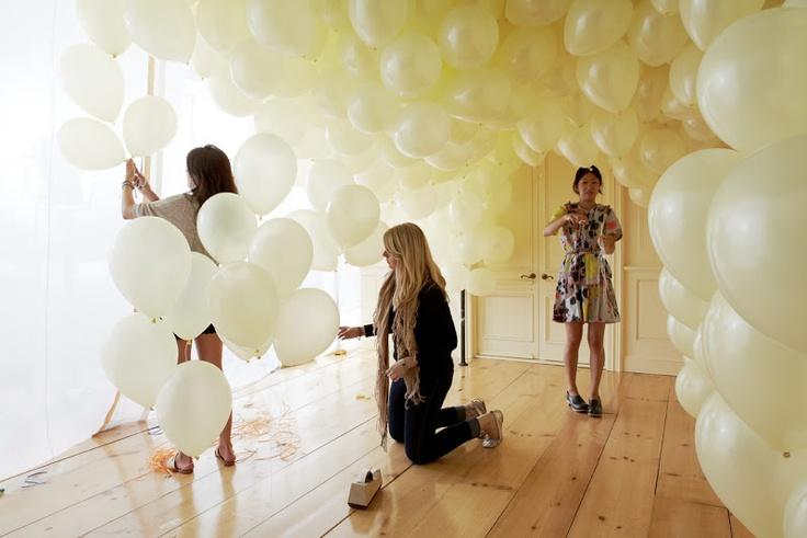37 best senior ball images on pinterest bodas weddings for Champagne balloon wall