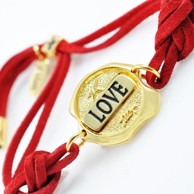 www.sklep.lovya.pl/seals-of-feelings/376-bransoletka-love-z-kolekcji-seals-wersja-zlota-grawerowana.html