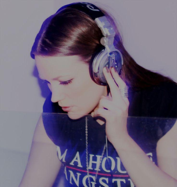 Chicago Fms DJ Jade Cox