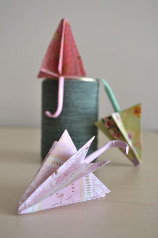 Oggi nel blog, un nuovo video tutorial da non perdere, perché In autunno, è sempre meglio avere un ombrellino di scorta!! Ecco il link  http://www.lafigurina.com/2015/09/tutorial-come-realizzare-un-ombrello-origami/