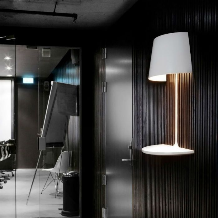 Ta lampa lewituje w powietrzu, Scandinavian Living