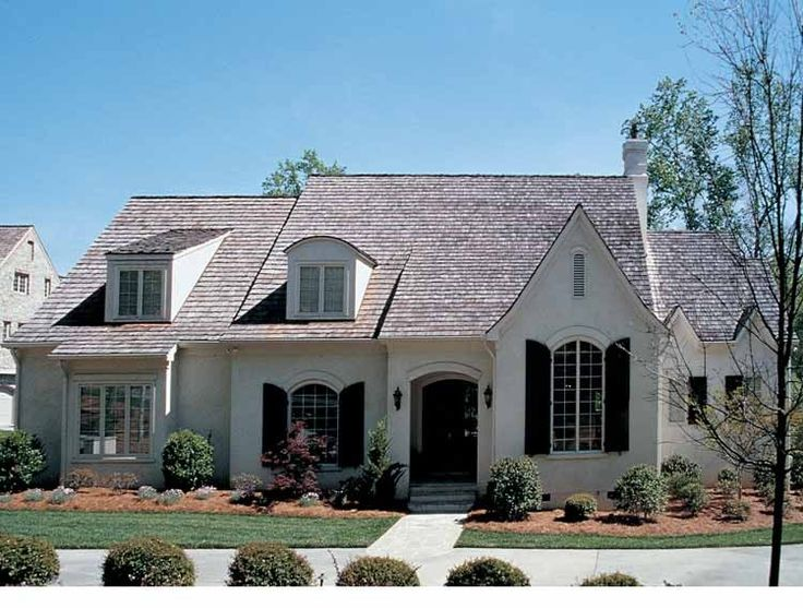 French Country House Plan with 4369 Square Feet and 4 Bedrooms(s) from Dream Home Source   House Plan Code DHSW05386