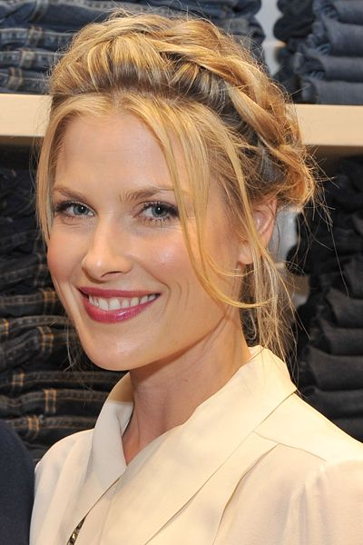 Weekend Hairstyles for Every Occasion | Daily Makeover  Weekend Hairstyles For Every Occasion Hard  For a little hair project, try Ali Larter's heidi braid. But first, check out the back...    Read more: http://dailymakeover.com/weekend-hairstyles/#ixzz3wp4e5hmt