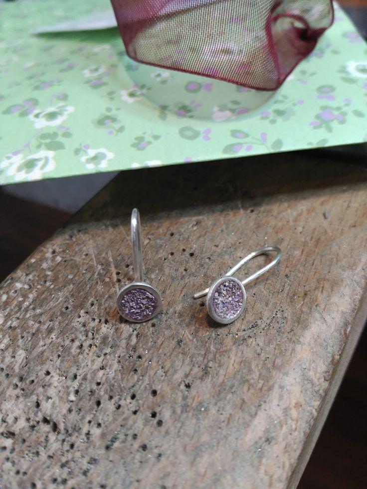 Arracades petites col·lecció Naum. Pendientes pequeños colección Naum. Naum collection small earrings