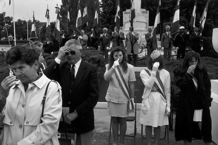 """Magnum Photos - Richard Kalvar FRANCE. Ile-de-France region. Yvelines department. Town of Conflans St Honorine. 1992. Annual ceremony of the """"Grand Pardon"""", dedicated to old sailors, veterans of the 1st World War...."""