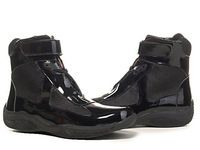 Venta al por mayor diseñador italiano para hombre Hightop marca casuales hombres de moda de charol negro zapatillas de deporte para hombre tamaño 40-47 D56825