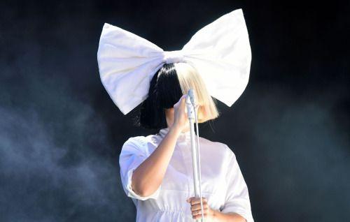 FOTOS: Así es la cantante @Sia sin peluca...