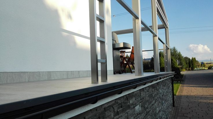 Nowoczesny taras wykonany przy użyciu profilu Renoplast zdj4
