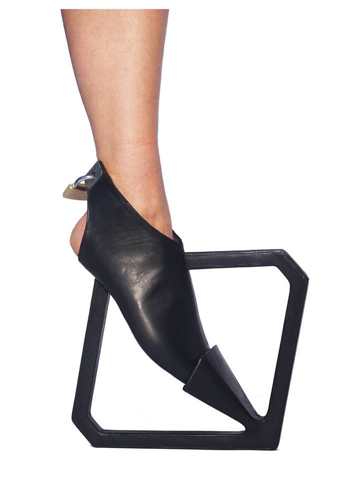 """Alexandra Rudshtain - """"To surrender the construction"""". Footwear Design Course, Bezalel, Jewelry and Fashion Department, 2014-2013 Inspired by the shoe designer Peter Popps."""