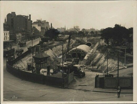 The construction of Museum Railway Station.A part of the City Circle line.A♥W