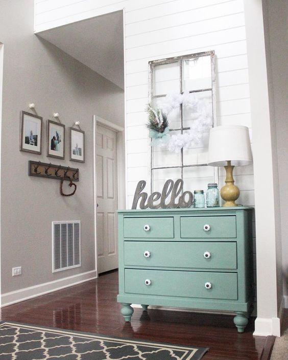 Kommode pastell blau, mint, Eingangsbereich, Flur, Dekoration, romantisch, Frühling, moderner Landhausstil