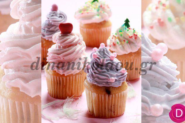 Η Ντίνα Νικολάου στα κέφια της: Cupcakes βανίλιας με 2 διαφορετικά γκλασαρίσματα (ροζ και μοβ) | eirinika.gr
