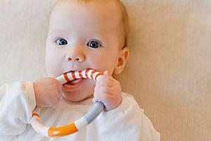 Giochi bebè: 10 attività per stimolare lo sviluppo psicofisico da 0 a 12 mesi - Nostrofiglio.it